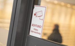 So geht wirksamer Einbruchschutz für Apotheken und Arztpraxen