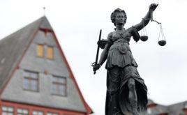 Finanzberater zu zwei Jahren auf Bewährung verurteilt